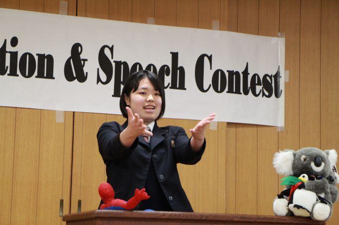 見事優勝をした2年生の弁論